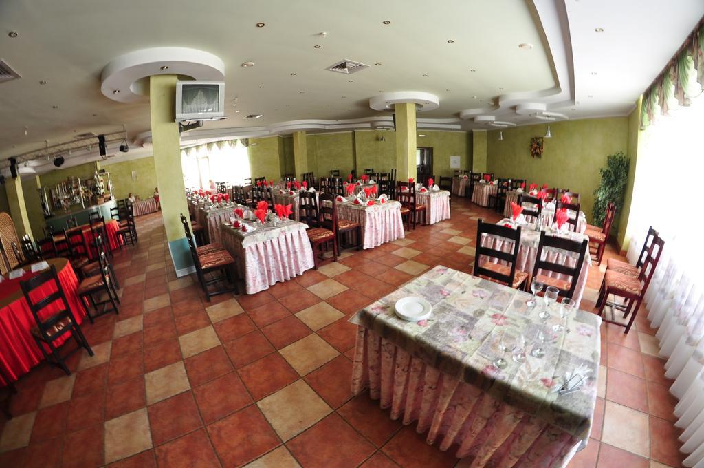 Ресторан в Черновцах - Турист